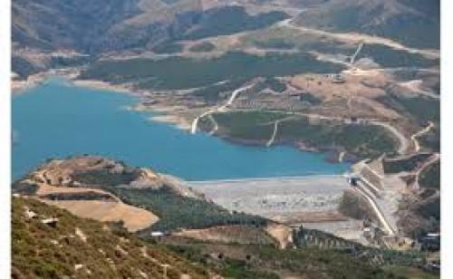 Potami dam lake (Amari)